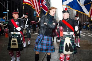 sam-heughan-scottish-day-kilt-ss06